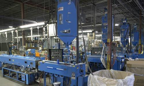 extrusion-machines-in-factory-srjpg